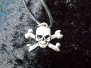 Skull and Crossbones pewter  pendant